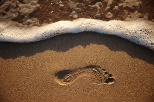 Footprints-in-the-Sand-Wallpaper-10