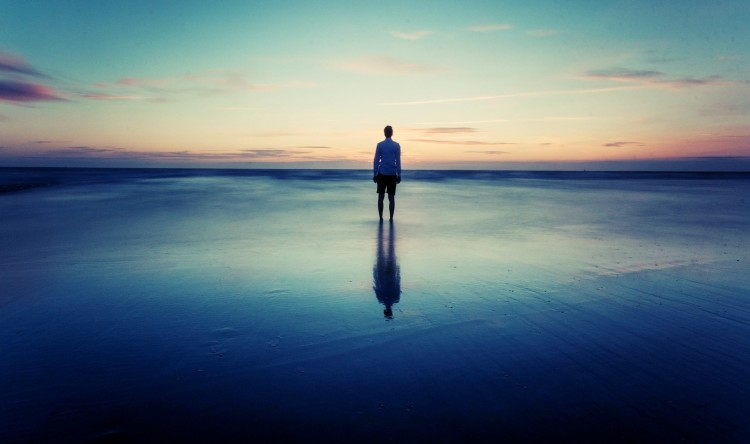 16561-alone-at-the-beach-1920x1200-photography-wallpaper